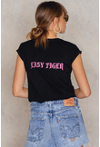 Josefin Ekström for NA-KD Easy Tiger T-shirt - Black